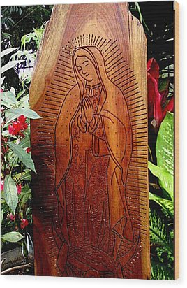 Virgen De Guadalupe Wood Print by Calixto Gonzalez