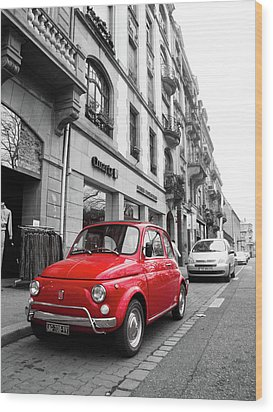 Voiture Rouge Wood Print