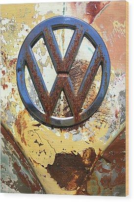Vw Volkswagen Emblem With Rust Wood Print