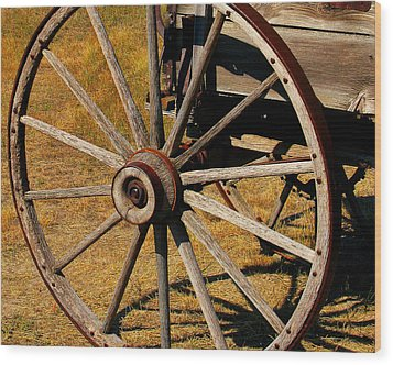Wagon Wheel Wood Print by Perry Webster