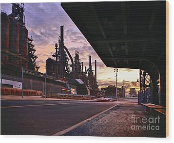 Wood Print featuring the photograph Waitin' On The Bus by DJ Florek