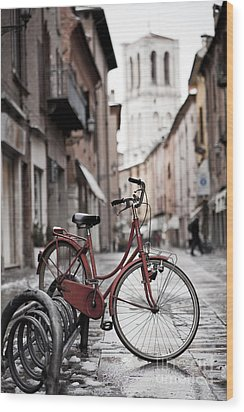 Waiting For A Ride Wood Print by Andre Goncalves
