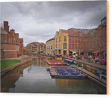 Wood Print featuring the photograph Waiting For The Tourists Cambridge by Gill Billington