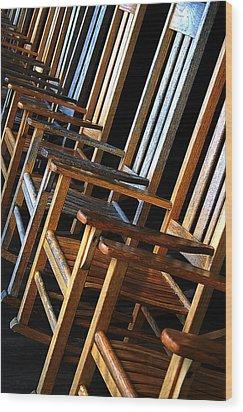 Waiting Wood Print by Lynda Lehmann