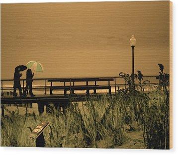 Waiting On The Rain Wood Print by Joe  Burns