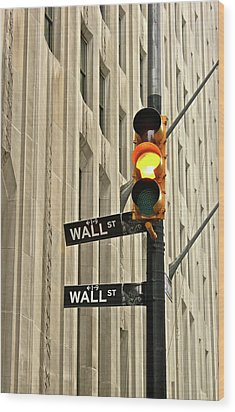 Wall Street Traffic Light Wood Print by Oonat