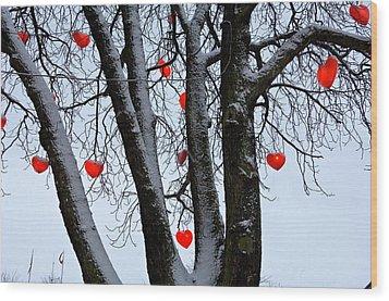 Warm Hearts Color A Tivoli Gardens Wood Print by Keenpress