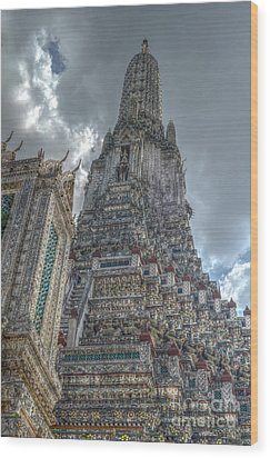 Wat Arun Wood Print by Michelle Meenawong