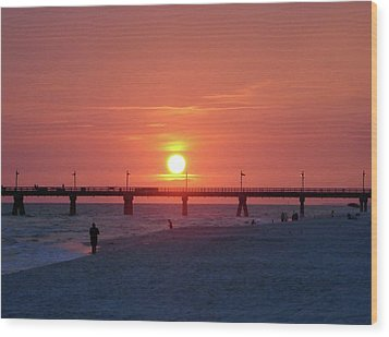 Watching The Sunset Wood Print by Sandy Keeton