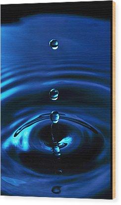 Water Drop Wood Print by Marlo Horne
