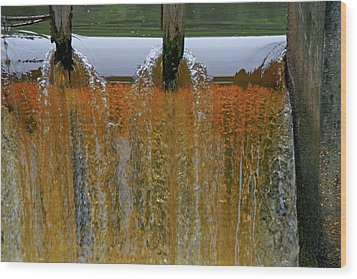 Water Fall At Grismill Pond Wood Print by Danny Jones