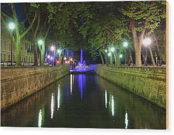 Wood Print featuring the photograph Water Fountain At Night by Scott Carruthers