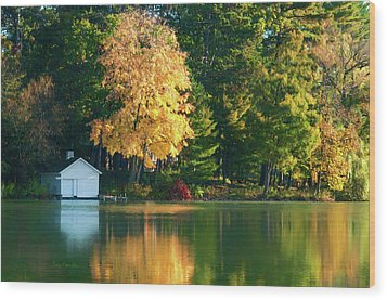 Waupaca Chain Boathouse Wood Print