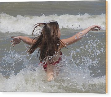 Wave Splash Wood Print