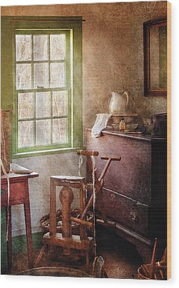 Weaving - In The Weavers Cottage Wood Print by Mike Savad