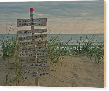 Welcome To Manasquan Wood Print by Robert Pilkington