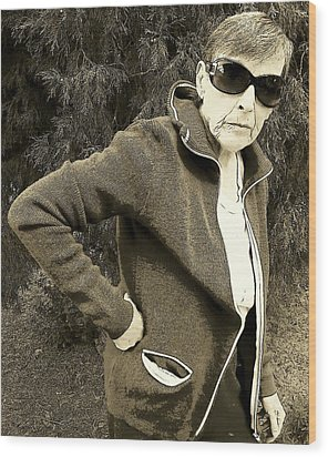 Well Are You Coming Wood Print by Lenore Senior