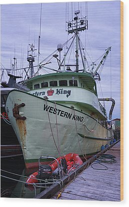 Wood Print featuring the photograph Western King At Discovery Harbour by Randy Hall