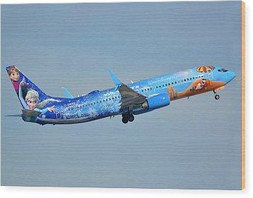 Westjet Boeing 737-8ct C-gwsv Frozen Phoenix Sky Harbor January 29 2016 Wood Print by Brian Lockett