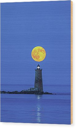 Wood Print featuring the photograph Whaleback Light by Juergen Roth
