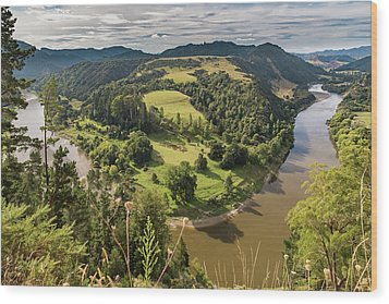 Wood Print featuring the photograph Whanganui River Bend by Gary Eason