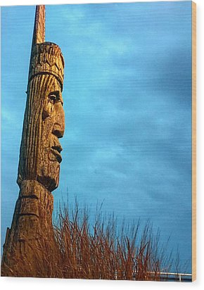 Whispering Giant Wood Print by Sumoflam Photography