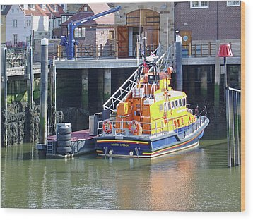 Whitby Lifeboat Wood Print by Rod Johnson