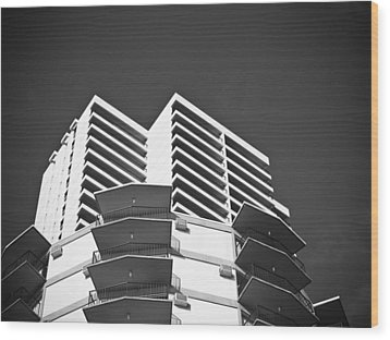 White Building To The Sky In Oahu Hawaii Wood Print by Ryan Kelly