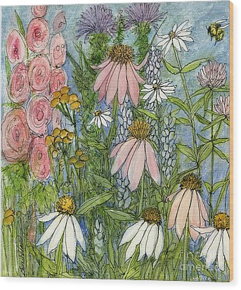 White Coneflowers In Garden Wood Print