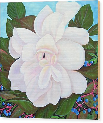White Gardenia With Virginia Creepers Wood Print by Kathern Welsh