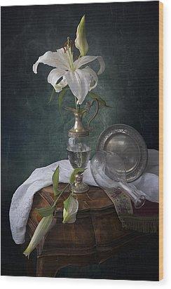White Liliums Wood Print