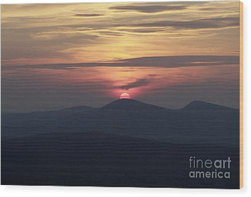 White Mountains Nh - Sunset Wood Print by Erin Paul Donovan