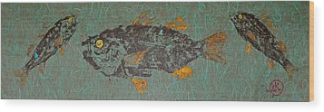 White  Perch With Yellow Perch Wood Print