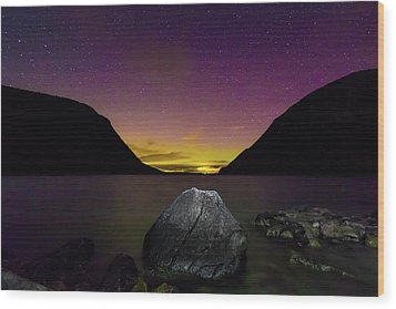 Willoughby Aurora And Boulder Wood Print