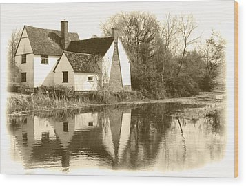 Willy Lots Cottage Wood Print by Terence Davis