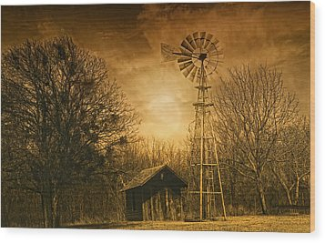 Windmill At Sunset Wood Print by Iris Greenwell