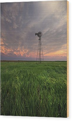 Wood Print featuring the photograph Windmill Mammatus by Aaron J Groen