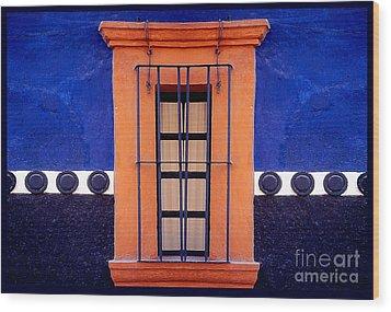 Window In San Miguel De Allende Wood Print by Linda  Parker