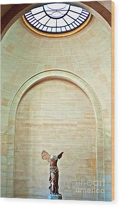Winged Victory Of Samothrace Louvre Wood Print by Loriannah Hespe