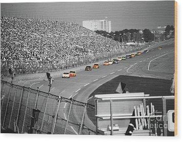 Winston Cup Racing In Daytona 1995 Wood Print by John Black