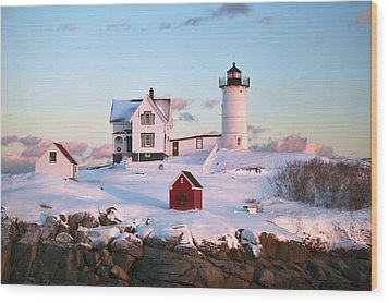 Winter At Nubble Wood Print by Eric Gendron