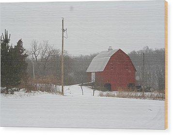 Winter Barn Scene  Wood Print by Eric Irion