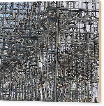 Wired Wood Print by Robert Pearson