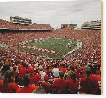 Wisconsin Badgers Play In Camp Randall Stadium Wood Print by Relpay Photos