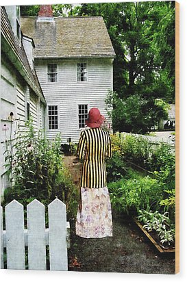 Woman With Striped Jacket And Flowered Skirt Wood Print by Susan Savad