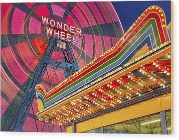 Wonder Wheel At Coney Island Wood Print by Susan Candelario
