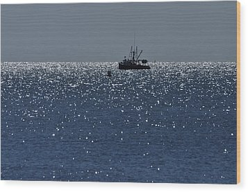 Workday On The Sound Wood Print by Gerald Hiam