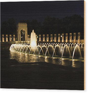 World War Memorial Wood Print