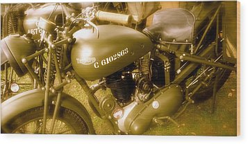 Wwii Triumph Despatch Rider Motorcycle Wood Print by John Colley