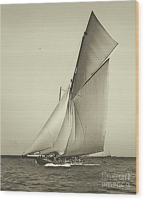 Yacht Shamrock Racing Americas Cup 1899 Wood Print by Padre Art